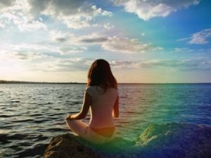pf-woman-in-water-aura